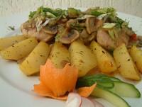Месо во печурки во Скопски мерак - Meat in mushrooms in Skopski Merak